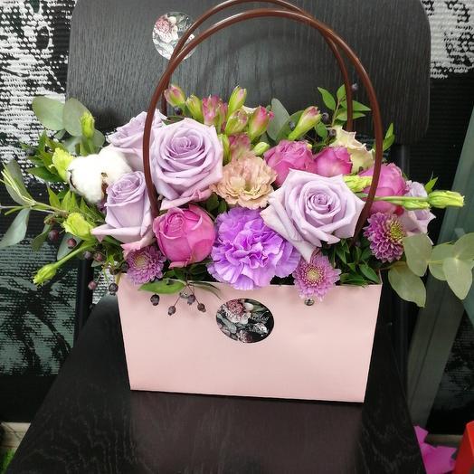 Цветочная сумочка на день матери: букеты цветов на заказ Flowwow