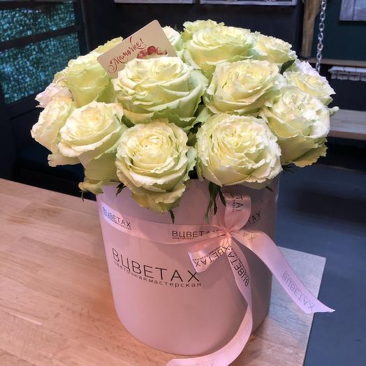 Шляпная Коробка с 25ю розами: букеты цветов на заказ Flowwow