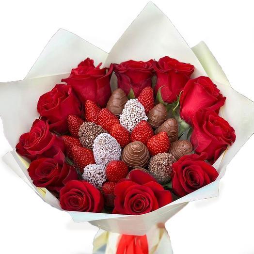 Клубничка с розами