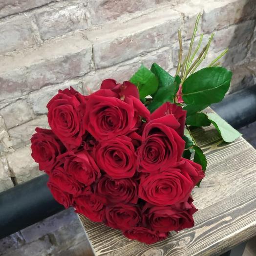 Роза Ред Наоми 15