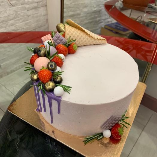 торт Ягодный рожок