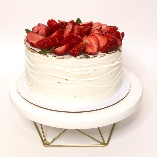 Клубничный торт «романс»