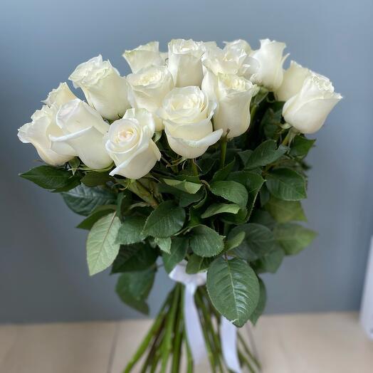 Букет из 31 белой розы Эквадор
