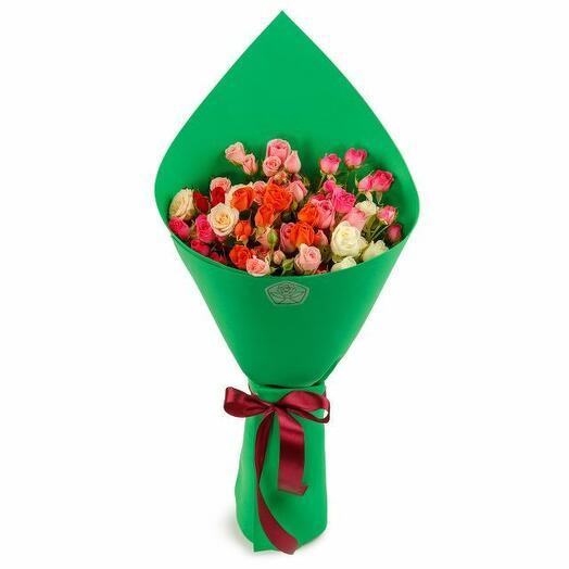Букет 9 кустовых роз в фоамиране