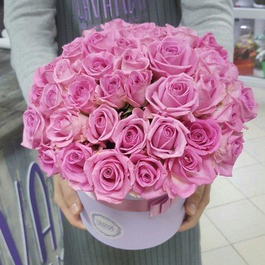 51 роза в шляпной коробке: букеты цветов на заказ Flowwow