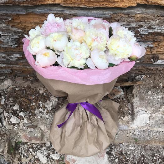 17 пионов: букеты цветов на заказ Flowwow