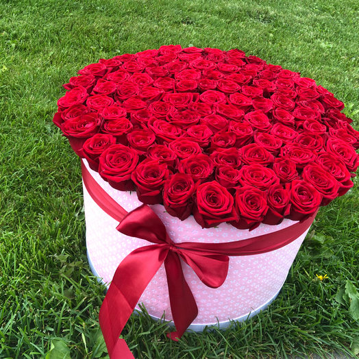 101 роза в коробочке: букеты цветов на заказ Flowwow