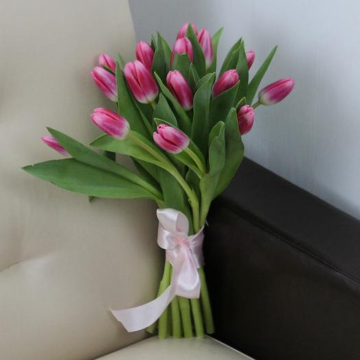 15 розовых тюльпанов: букеты цветов на заказ Flowwow
