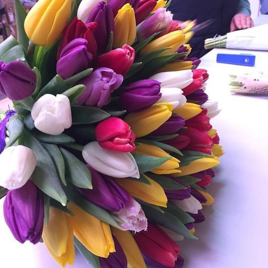 15 разноцветных тюльпанов: букеты цветов на заказ Flowwow