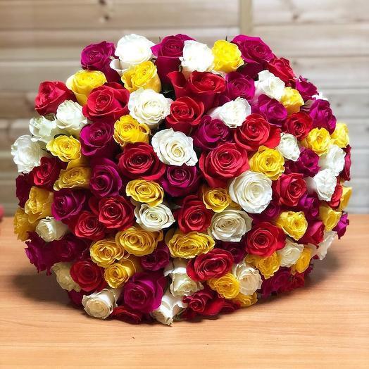51 микс розы (Россия) 40 см в крафте: букеты цветов на заказ Flowwow