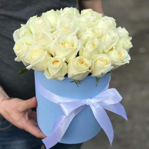 Коробочка из 29 белых роз