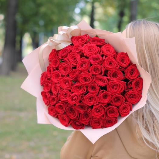 51 красная роза 60 см с оформлением