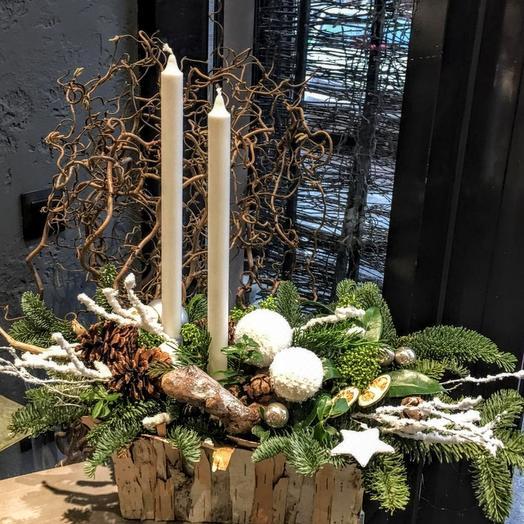 Настольная новогодняя композиция со свечами