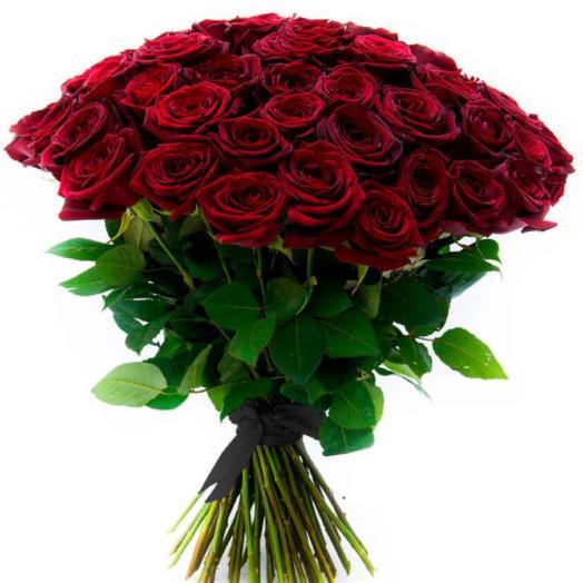 100 красных роз с чёрной лентой