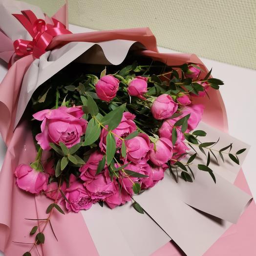Роза кустовая бомбастик с эвкалиптом