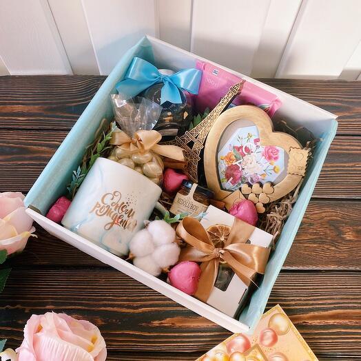 Подарок на день рождения «Happy Birthday» с 3 шарами/ Шары на день рождения