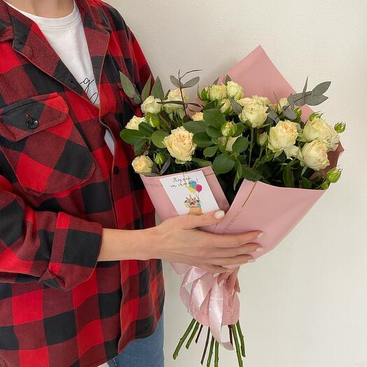 Охапка пиановидных кустовых роз