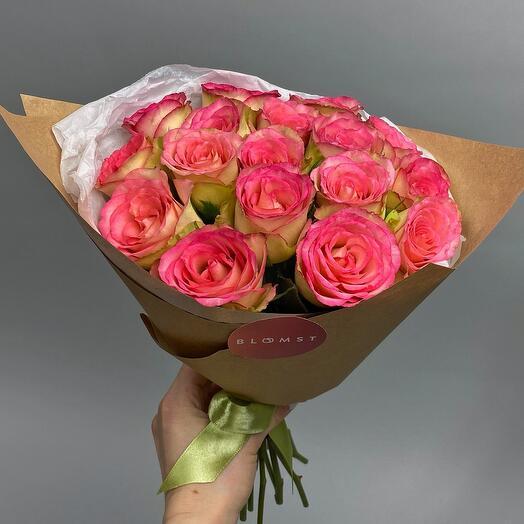 Розы в крафте 17 штук