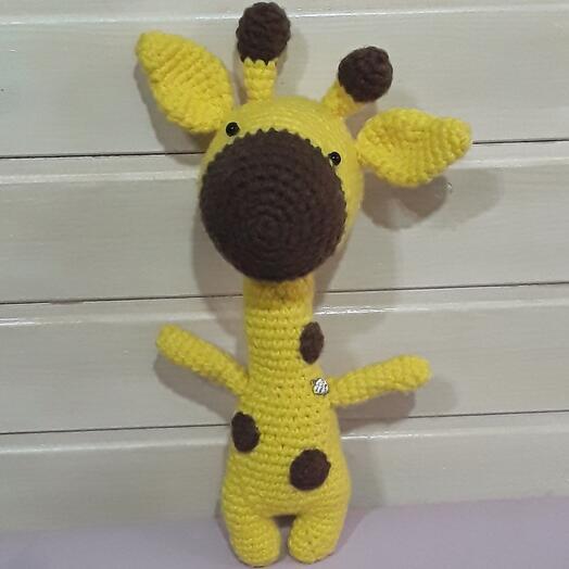 Жираф вязанный ручной работы