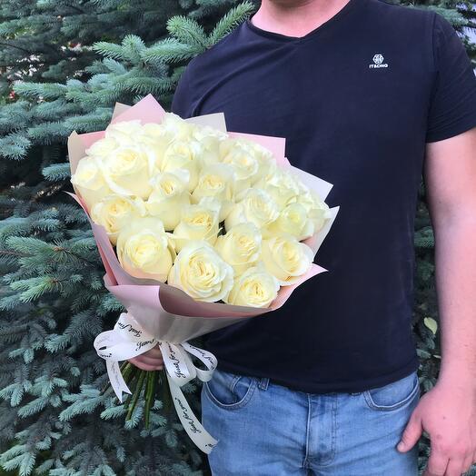 25 Белых роз 50 см
