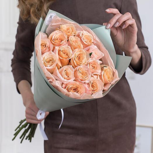 Букет из 15 пионовидных роз Эквадор 60см