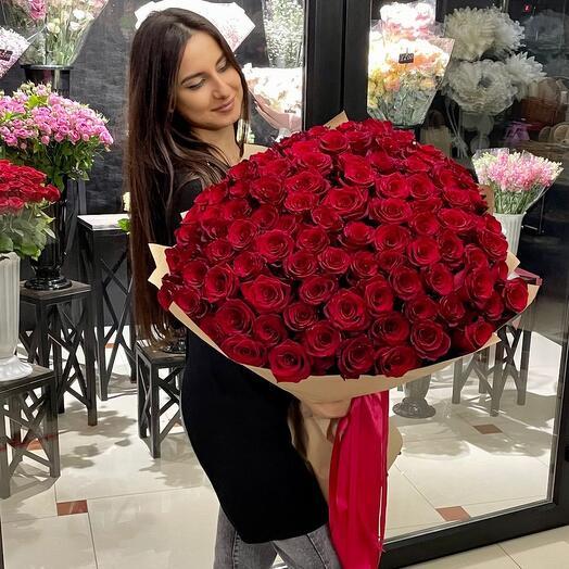 101 красная Голландская роза