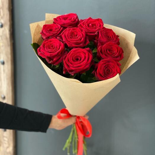 Букет из 9 красных роз 60 см