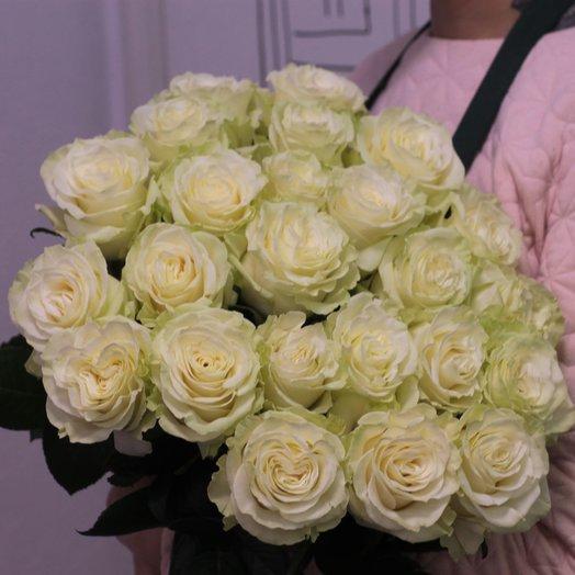 23 белые розы 60 см