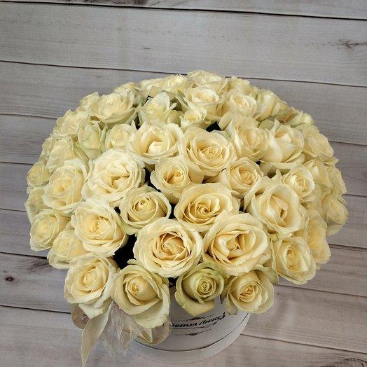 Роскошные белые розы: букеты цветов на заказ Flowwow