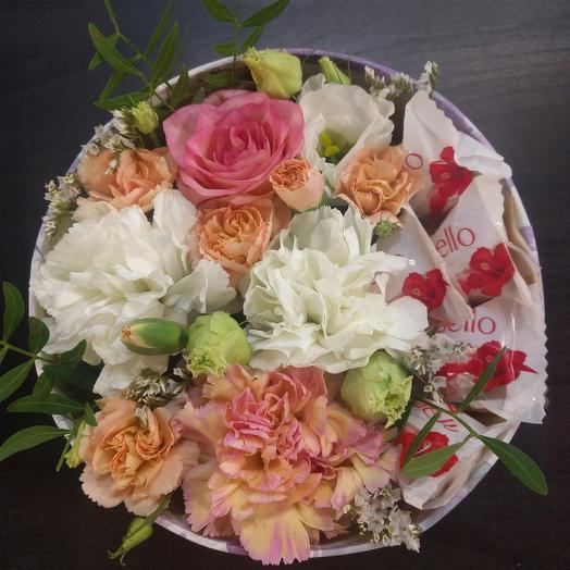 Композиция с конфетами: букеты цветов на заказ Flowwow