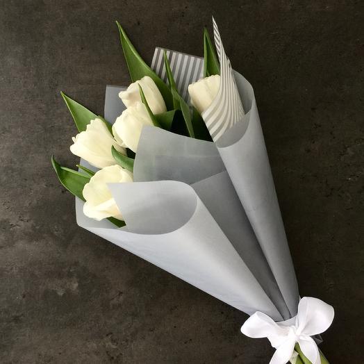 Тюльпаны белые: букеты цветов на заказ Flowwow