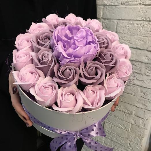 Коробка роз из мыла по супер цене: букеты цветов на заказ Flowwow