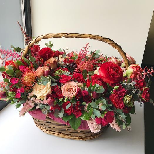 Роскошь красного: букеты цветов на заказ Flowwow