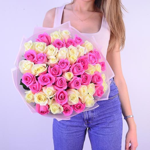 51 белая и розовая роза (50 см): букеты цветов на заказ Flowwow
