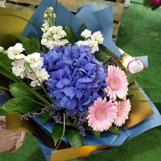 Стильный букет с гортензией: букеты цветов на заказ Flowwow