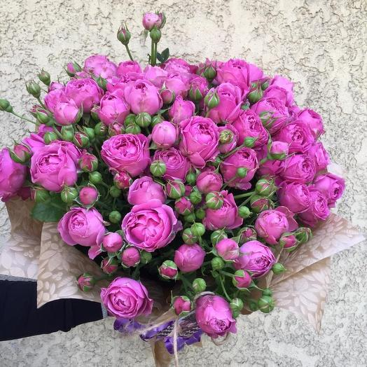 Bouquet of peony roses