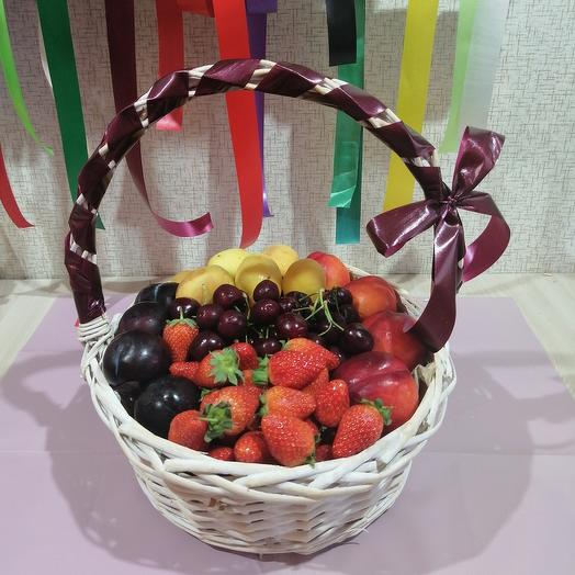 "Basket ""Berry mix"""