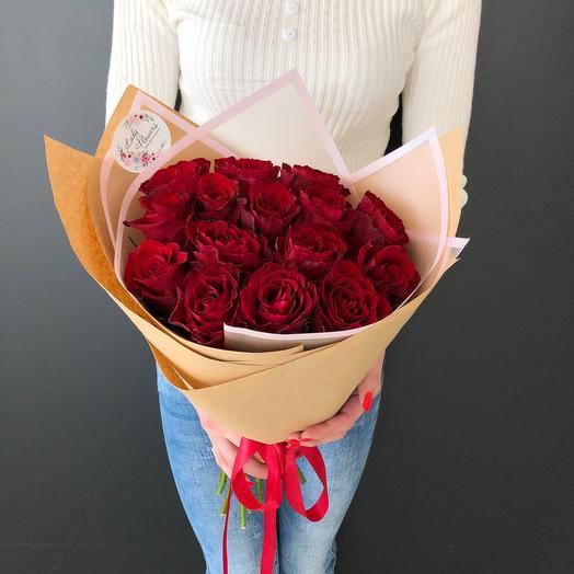 Lady Flowers - 15 роз в стильном оформлении