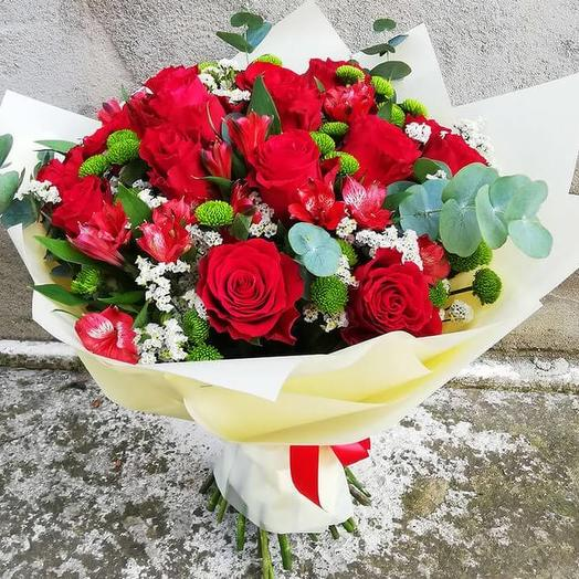 Bouquet of roses and alstroemeria from roses and alstroemeria