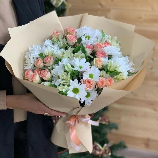 Букет из хризантем кустовых роз