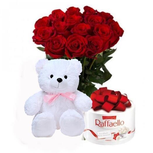 Подарочный набор 25 роз, мишка и конфеты