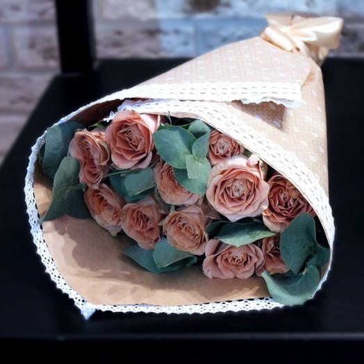 Роза Капучино с эвкалиптом