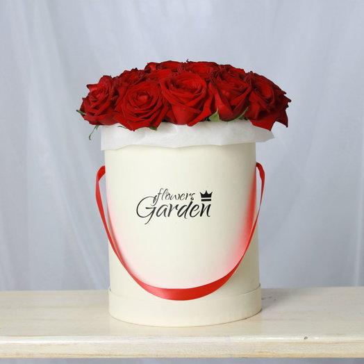 Шляпная коробка L Розы Red Naomi