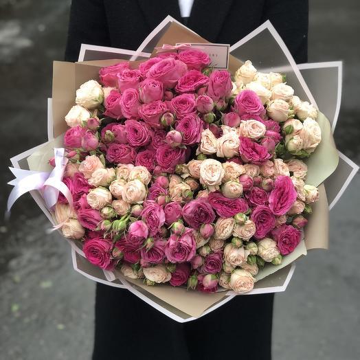 49 пионовидных кустовых роз