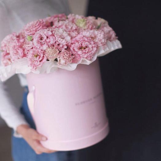 Коробочка с шикарной эустомой: букеты цветов на заказ Flowwow