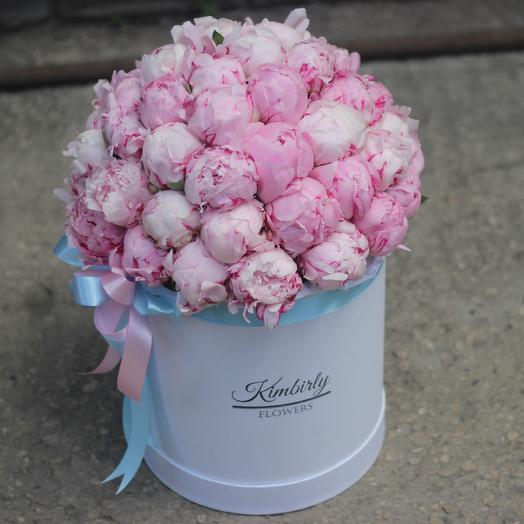 51 пион в коробке: букеты цветов на заказ Flowwow