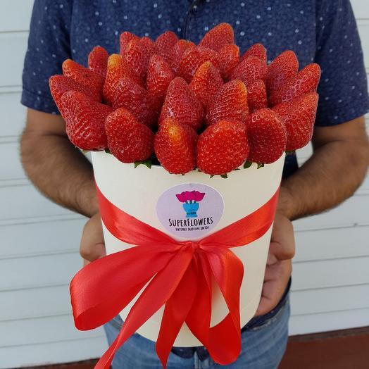 Отборная клубничка:): букеты цветов на заказ Flowwow