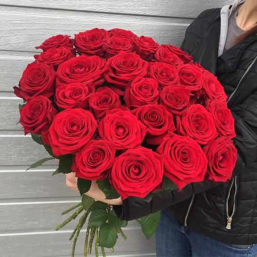 "Букет из красных роз ""Эмоции"": букеты цветов на заказ Flowwow"