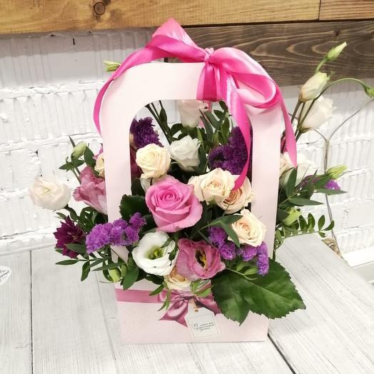 Цветочная композиция в сумочке: букеты цветов на заказ Flowwow