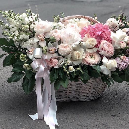 """Купить большую корзину цветов """"Сокровенная мечта"""""""